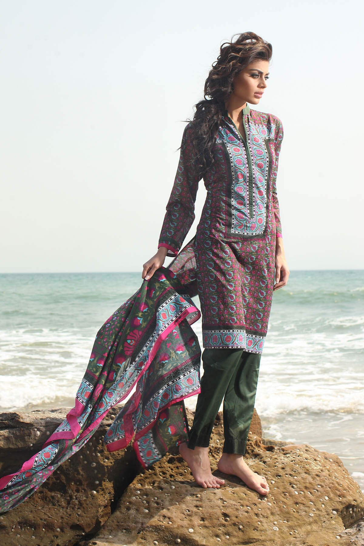 Khaadi Unstitched Lawn Colletion 2014 for United States Women (1)